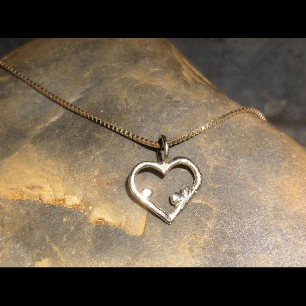 Vedhæng som Guldhjerte i 14 krt, Hjerte spirer