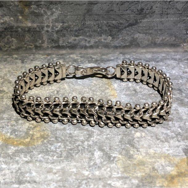 2.nd Hand - Armbånd i sølv, rustikt