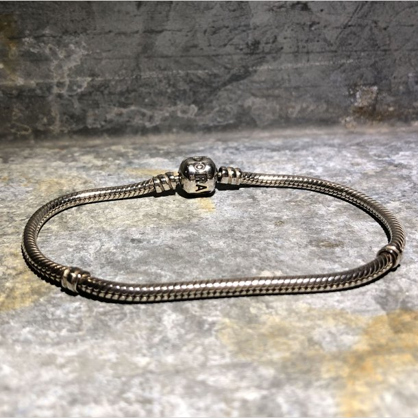 2.nd Hand - Armbånd Pandora i sølv