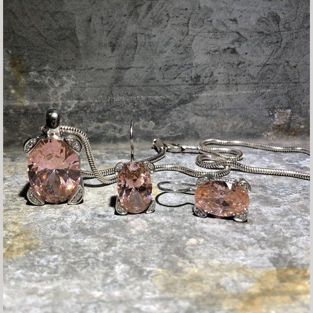 2.nd Hand - Halskæde i sølv med fancy lyserød sten + ørehængere