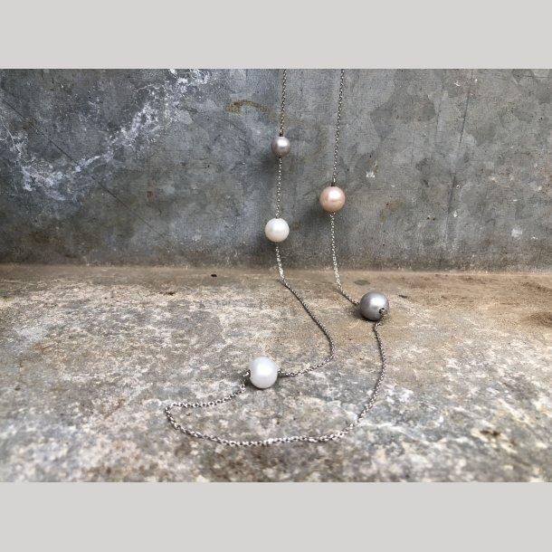 Carnival halskæde i sølv med perler