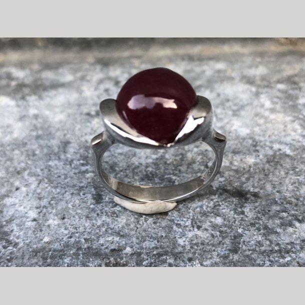 Ring i sølv m. rubin