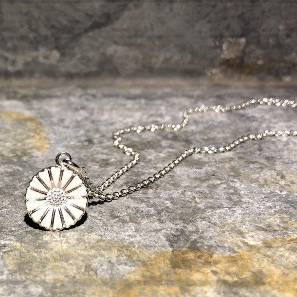 Halskæde i sølv med marguerit fra Lund