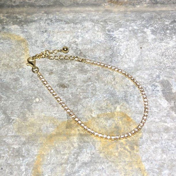 Armbånd i forgyldt sølv med gyldne zirkoner fra Mads Z
