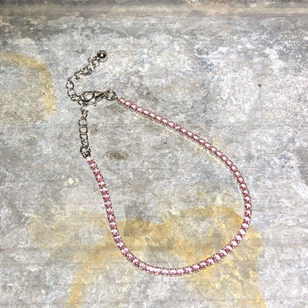Armbånd i sølv med pink zirkoner fra Mads Z