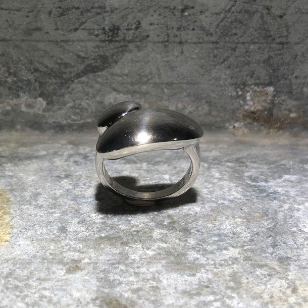 Ring i sølv fra Mads Z