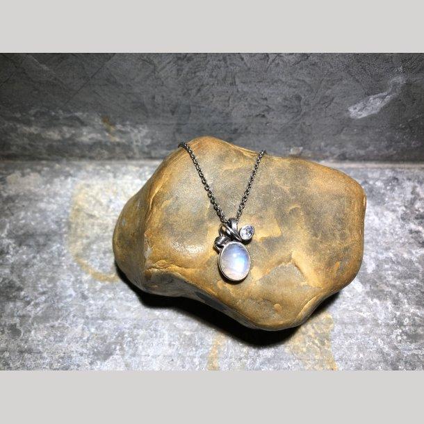 Sølvhalskæde med  vedhæng fra Rabinovich